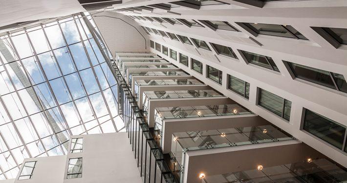 Det elegante heishuset til Scandic Ørnen er innglasset av Bue Aluminium. Foto: Otto von Munchow